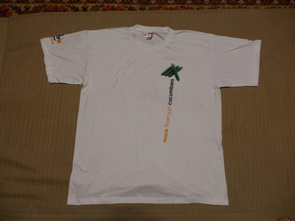 Мягенькая белая фирменная футболка с принтом b&c exact 150 бельгия xxl фото №1