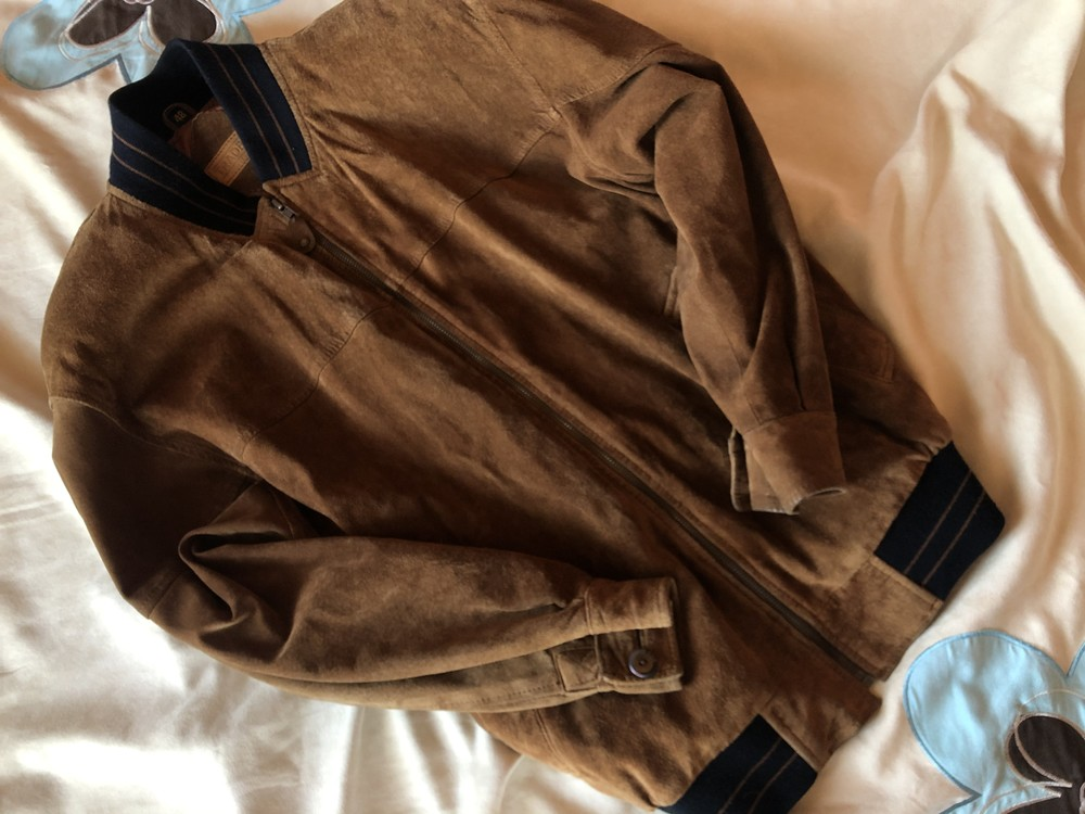Замшевая куртка , бомбер от traders ( c нюансом ) фото №1