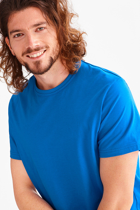 Фирменная однотонная футболка c&a фото №1