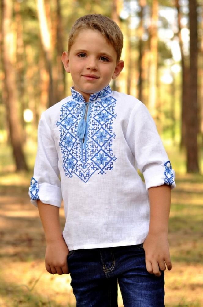 Вишиванка для хлопчика з традиційним синьо-блакитним орнаментом фото №1