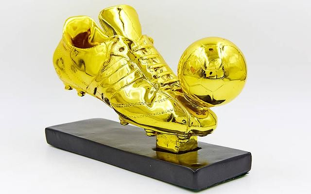 Награда спортивная футбол 1346-b2 (статуэтка наградная бутса с мячем): 15х21х7,5см фото №1