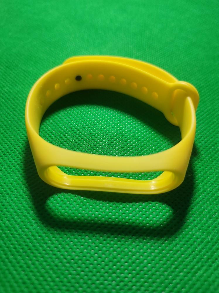 Сменный ремешок с узором для mi band 3 /mi band 4 жёлтый фото №1