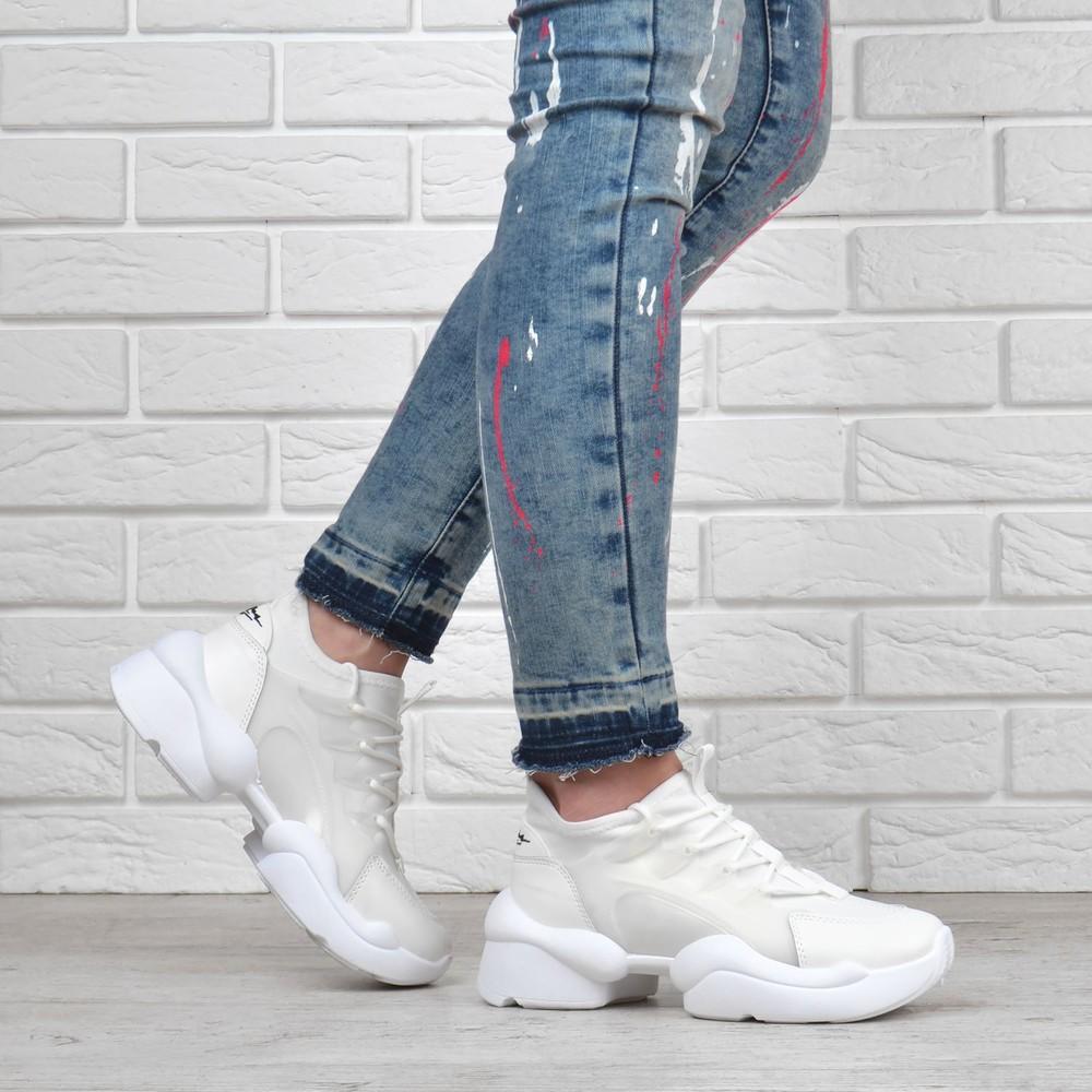 Базовые женские кроссовки текстильные laguna белые силиконовый каркас фото №1